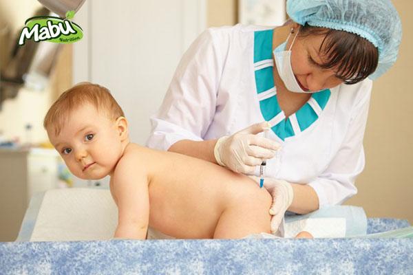 Có thể chích nhiều vaccine cùng lúc cho trẻ