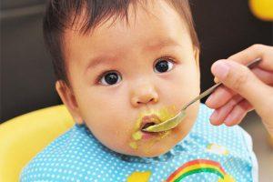 5 nguyên tắc mẹ cần biết khi bé bắt đầu tập ăn dặm