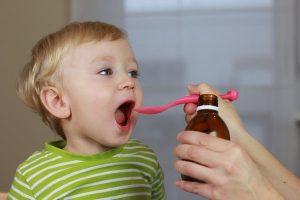 trẻ dưới 2 tuổi không nên uống thuốc ho