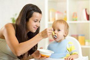 luật mama và baby giúp giải quyết vấn đề biếng ăn ở trẻ