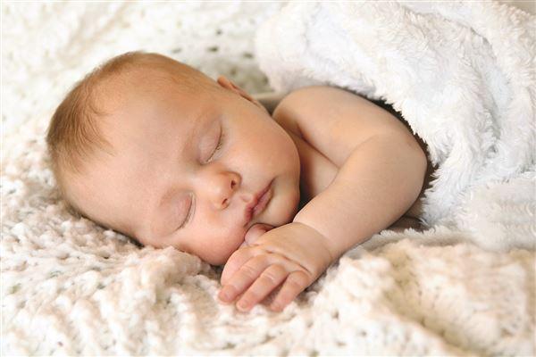 Bí quyết chăm sóc bé mùa đông không bị ốm