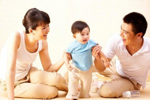 Mốc phát triển vận động của trẻ 5 năm đầu đời
