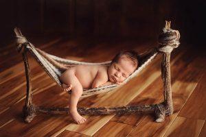 Đặt trẻ nằm võng dẫn tới hậu quả khôn lường