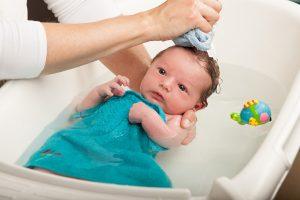 Thời điểm tránh tắm cho trẻ nếu muốn trẻ không bị ốm
