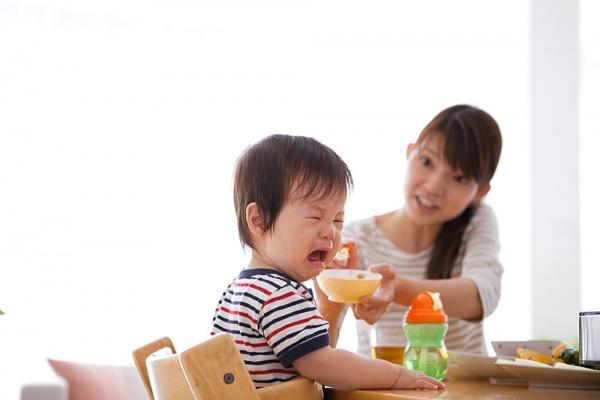 Trẻ ăn dặm muộn sẽ biếng ăn, chậm lớn