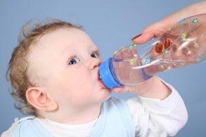 Nhu cầu nước 1 ngày của trể