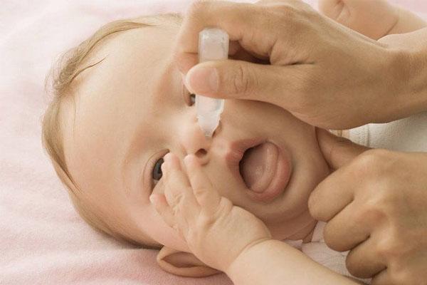 khụt khịt mũi ở trẻ sơ sinh